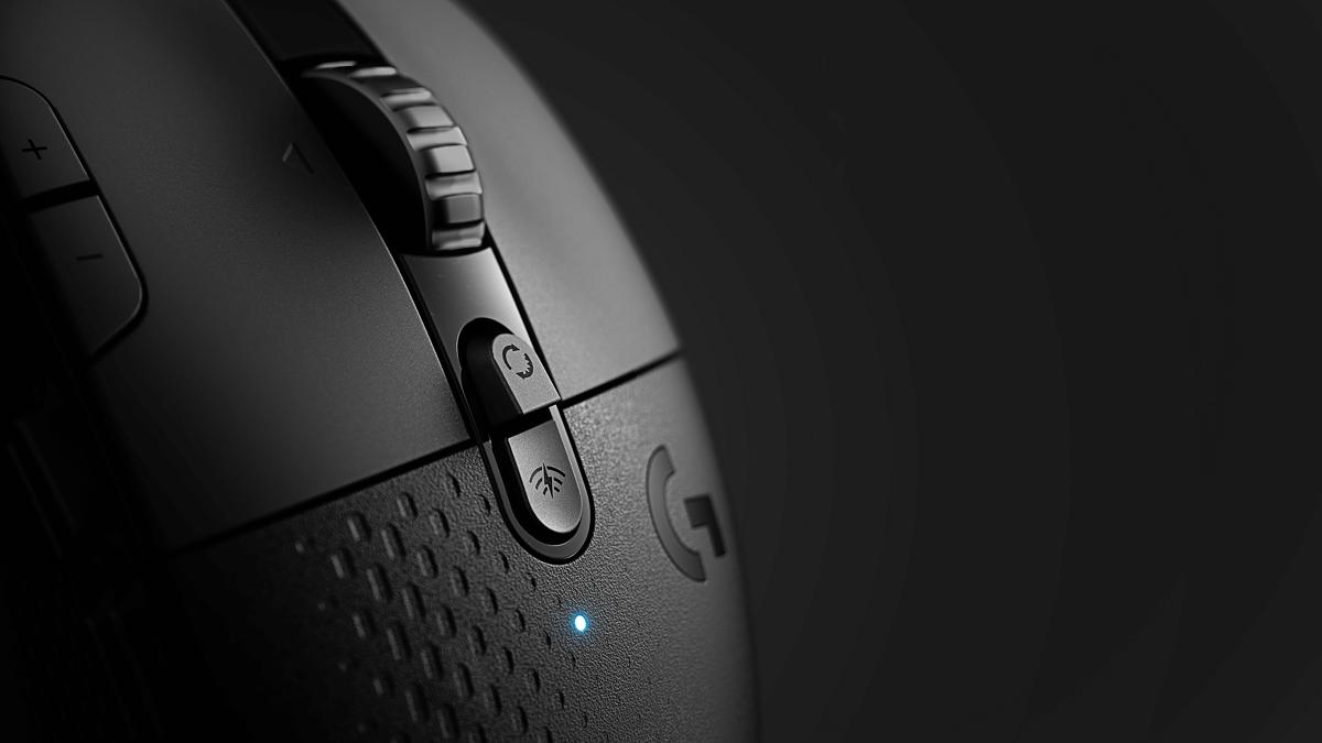 Logitech-57220510-g604-feature-3-desktop